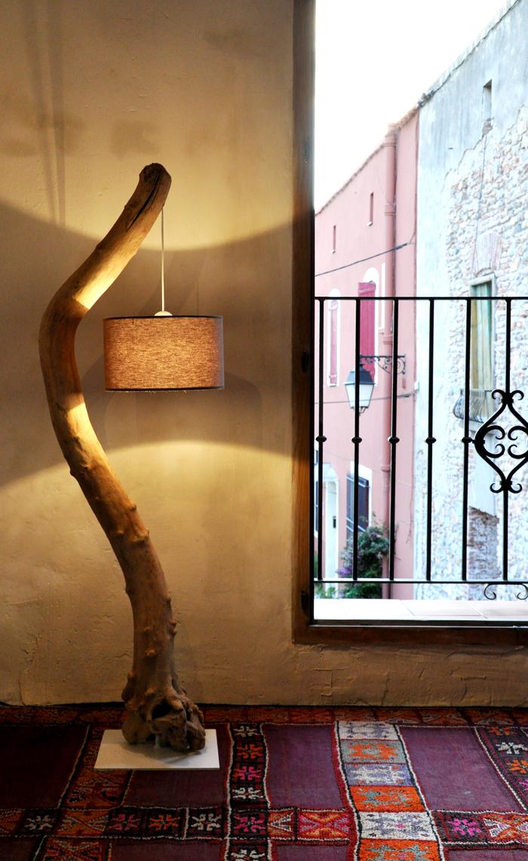 Lampadaires en bois flott cr ations au fil de l 39 eau for Creation avec bois flotte