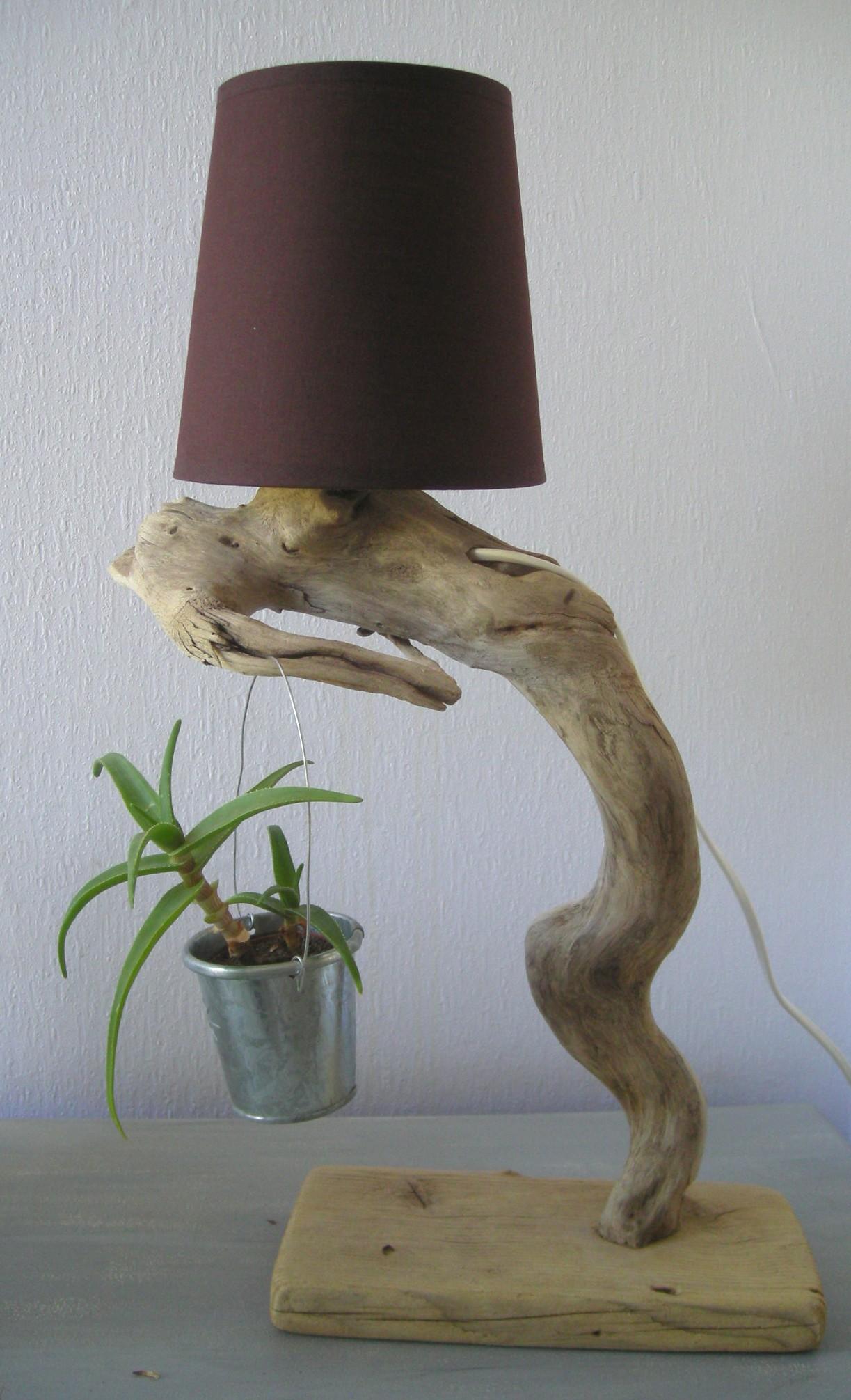 lampes en bois flott cr ations au fil de l 39 eau. Black Bedroom Furniture Sets. Home Design Ideas