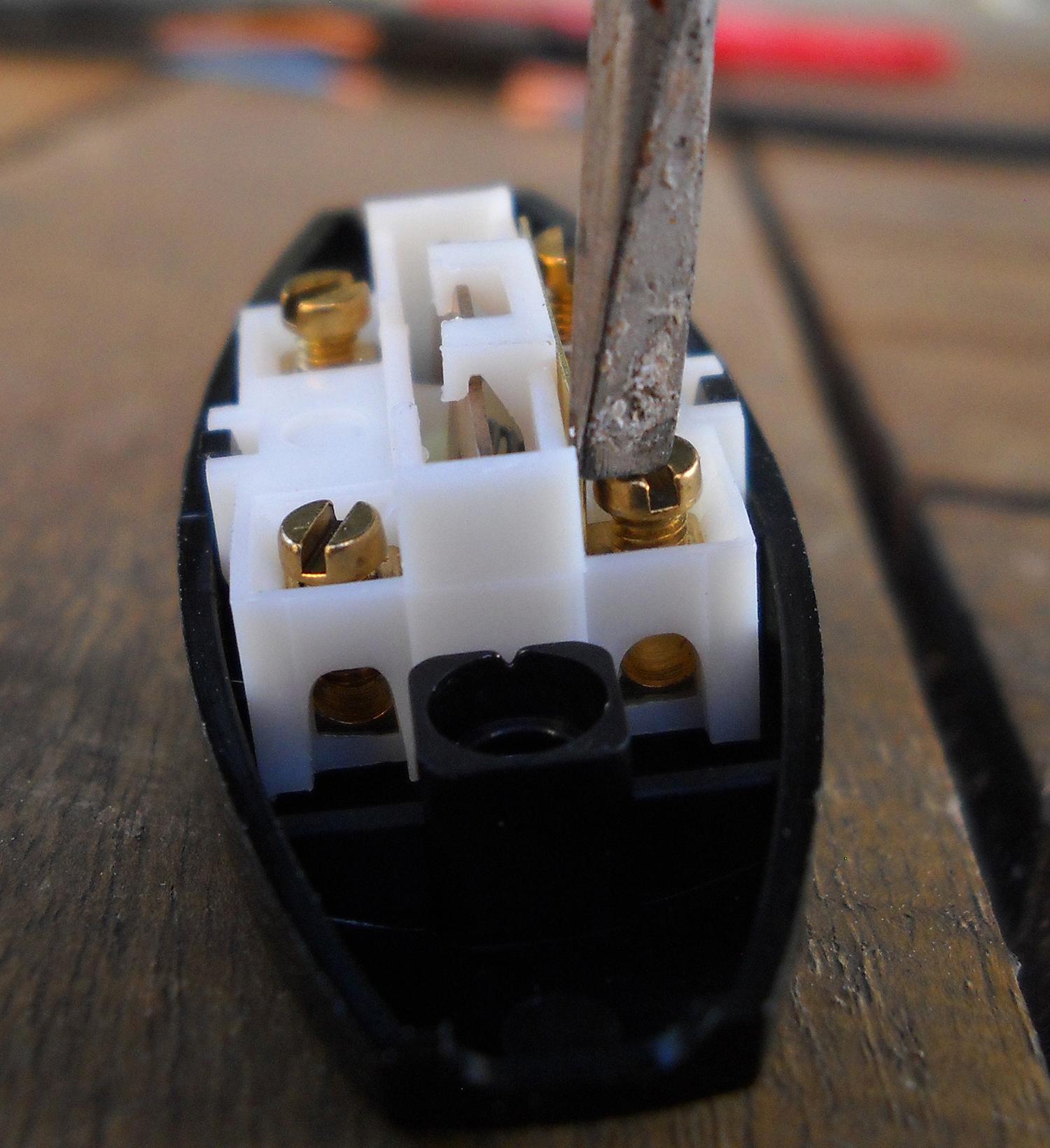 Lampe Bois Flotte Ikea : Costumiser une lampe Ik?a